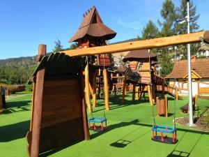 Bezpieczna nawierzchnia na plac zabaw (10)